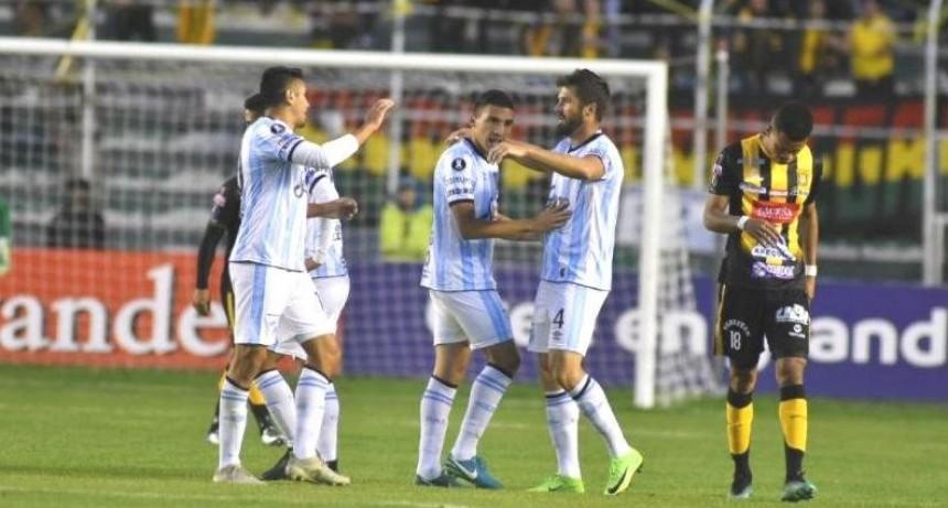 Atlético Tucumán ganó en Bolivia y recupera la ilusión en la Copa