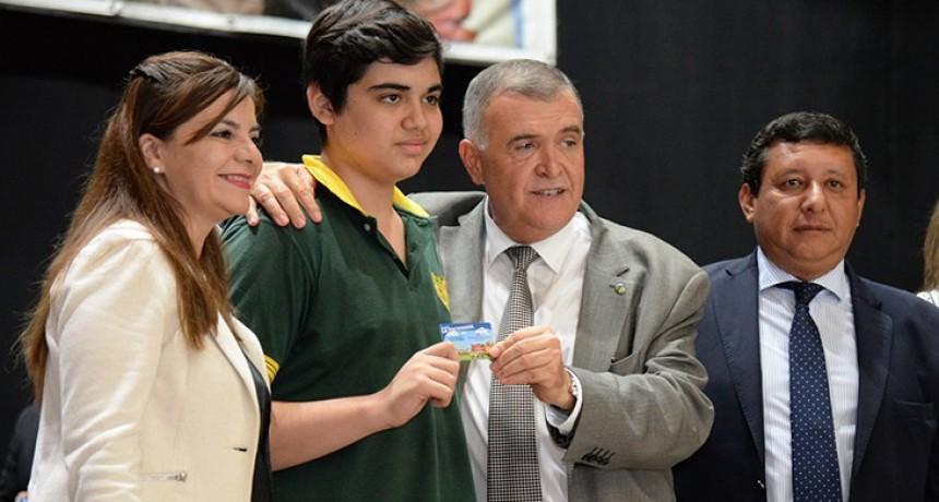 """""""Hay 20.000 tarjetas La Tucumana y 15.000 abonos rurales"""""""