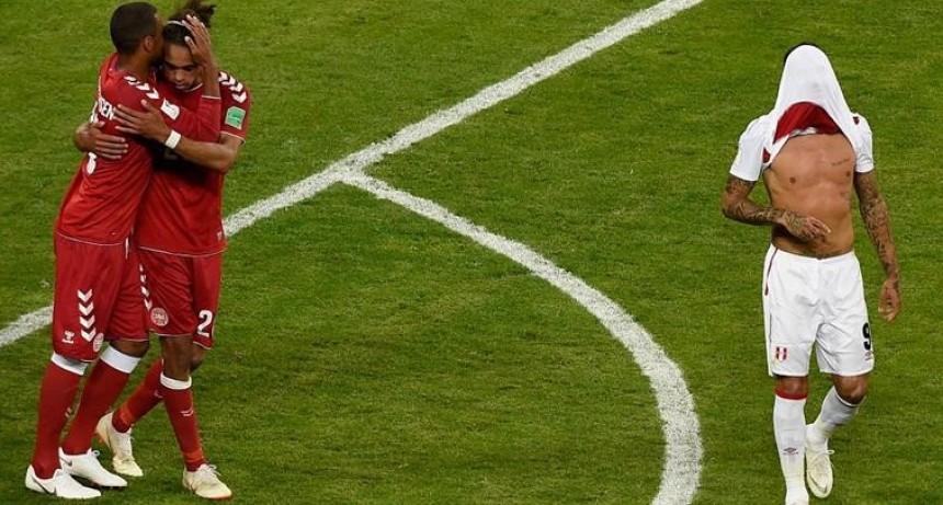Perú perdió con Dinamarca 1 a 0
