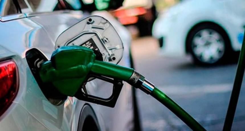 El Gobierno postergó el aumento de combustibles por un mes más