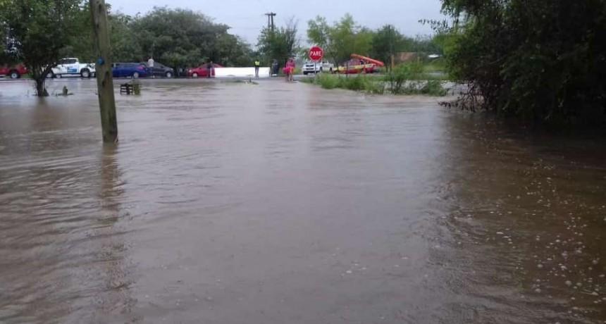 TEMPORAL EN TUCUMÁN : Cortan la ruta 9 en Los Puestos y crece el número de afectados