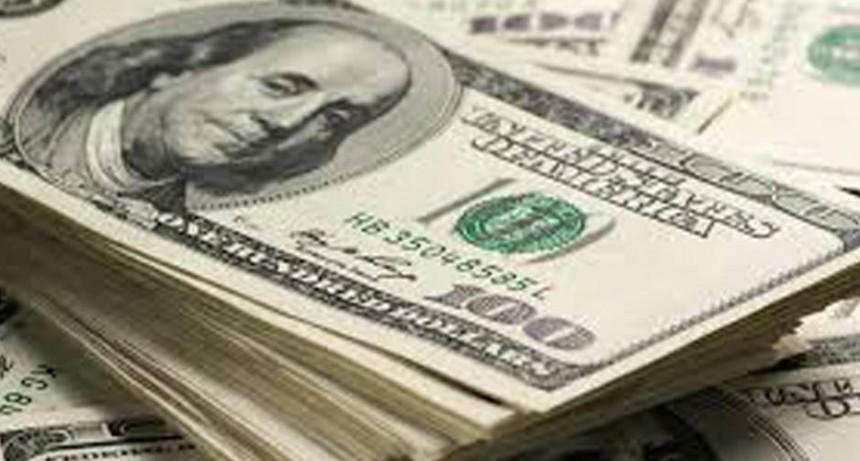 El dólar turista cerró en una cotización máxima de $83,19