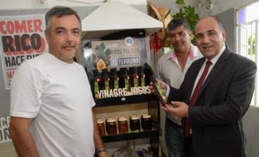 """En el Timbó existe la fábrica de vinagre """"El Terruño"""", única en la región"""