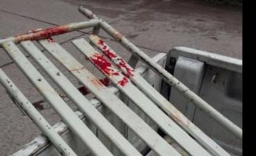 Un guardiacárcel y un preso, apuñalados durante una pelea en Villa Urquiza