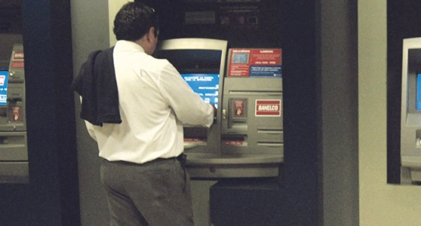 Comienza el pago del 80 % del sueldo a empleados públicos