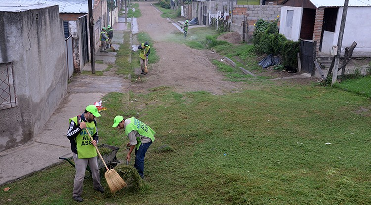 Continúan las tareas de limpieza en el territorio tucumano