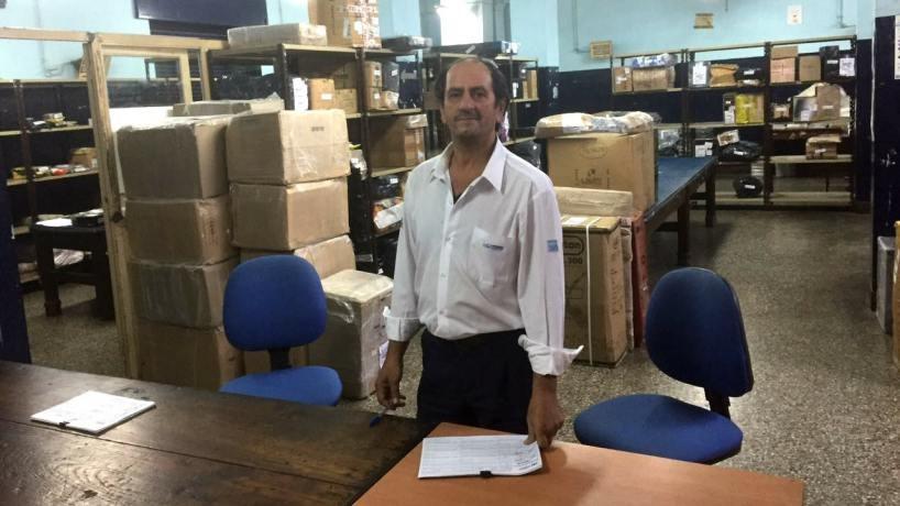 Cartero honrado: encontró 4 mil pesos en la oficina del Correo