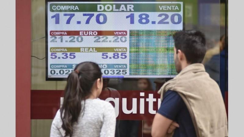 Ante disparada del dólar, Banco Nación modifica créditos hipotecarios
