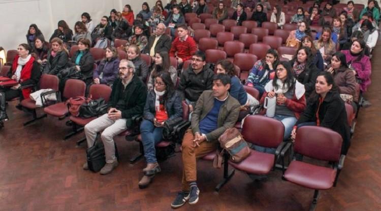 Profesionales y estudiantes aportan a la gestión pública