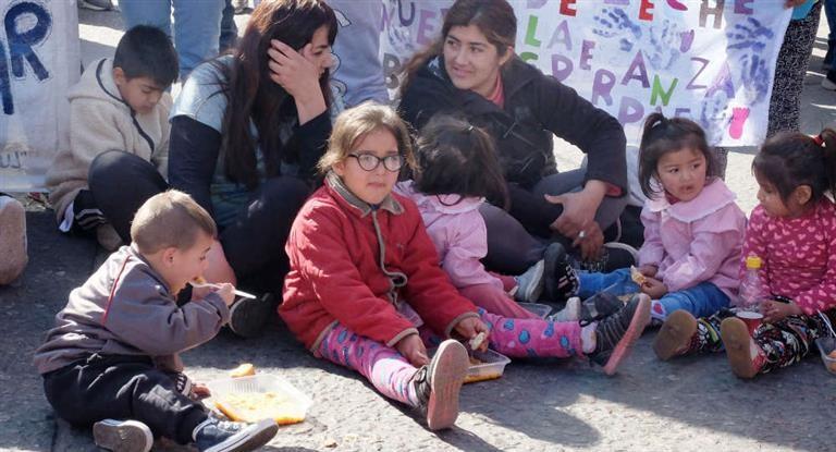 Movimientos sociales presentaron en el Congreso la ley de emergencia alimentaria