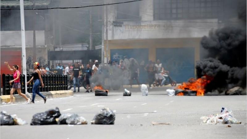 Venezuela: represión a militares sublevados deja un muerto y varios heridos