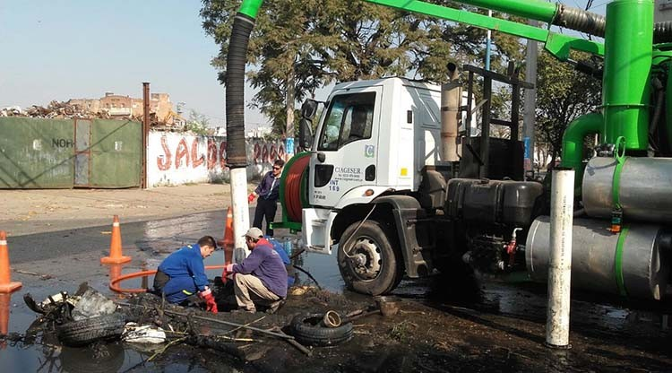 Impulsan obras de saneamiento en dos barrios capitalinos