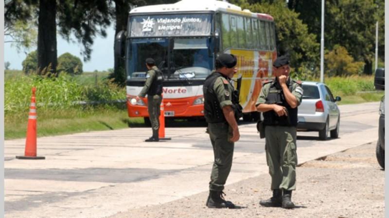 """Gobierno reforzó seguridad en las fronteras para """"no dejar pasar a nadie"""""""