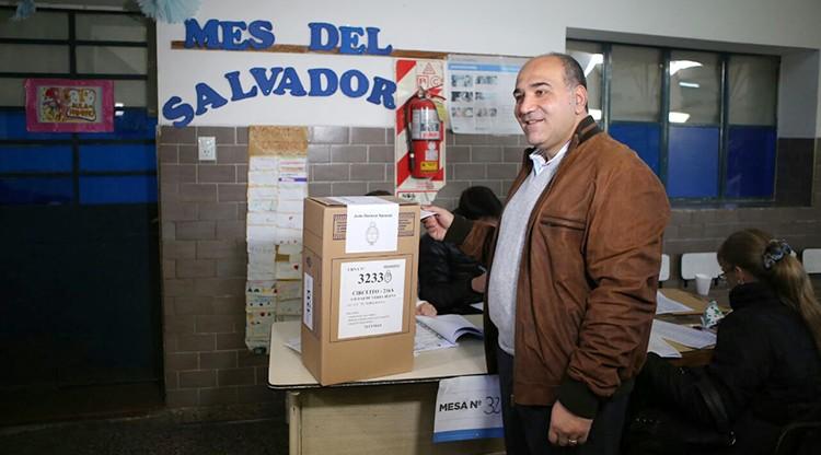 """Manzur: """"Hoy los tucumanos pueden expresar sus sueños al votar"""""""