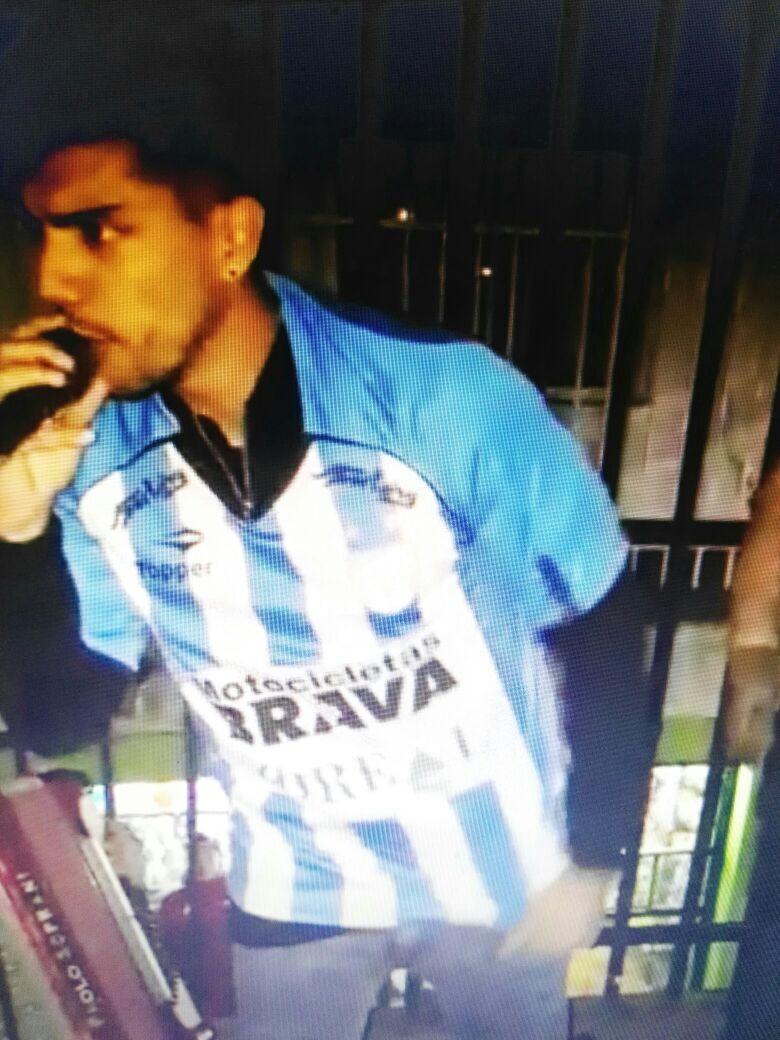 El hijo de Gladys saludó a la barra de Atlético Tucumán