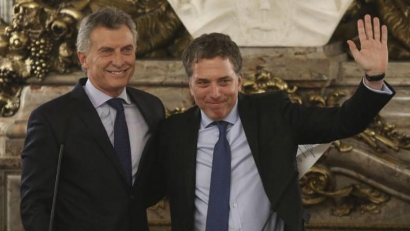 Dujovne le presenta a Macri el proyecto de reforma tributaria