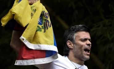 Crisis en Venezuela: volvieron a detener al opositor Leopoldo López y está recluido en una cárcel militar