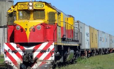 Golpe a Moyano: plan para que se transporte por tren 15% de carga