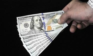 Inversores que vuelven al peso y coberturas empresarias: claves del equilibrio del dólar