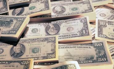A 6 días de las PASO, el BCRA tuvo que vender otros u$s 165,1 M para mantener al dólar debajo de los $ 18