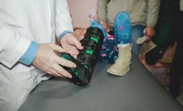 El Hospital de Niños entregó férulas fabricadas en un taller