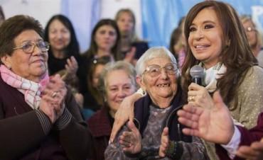 Cristina moviliza cierre de campaña hacia campamento amigo