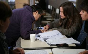 Tiene 16 años, vota por primera vez y es presidenta de mesa