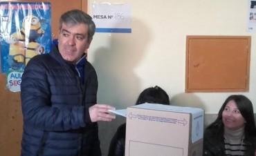 José Cano emitió su voto y criticó al gobierno provincial