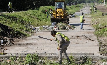 La Provincia acondiciona barrios de la capital