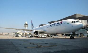 Aeropuerto Benjamín Matienzo: primer vuelo internacional completo