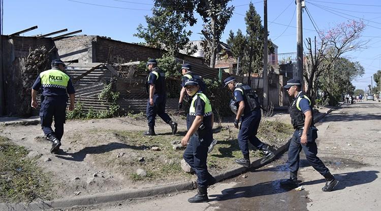La Policía intensifica los controles fijos y móviles en los barrios