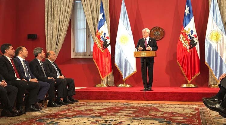 Manzur participó de la VII Reunión de Gobernadores e Intendentes en Chile