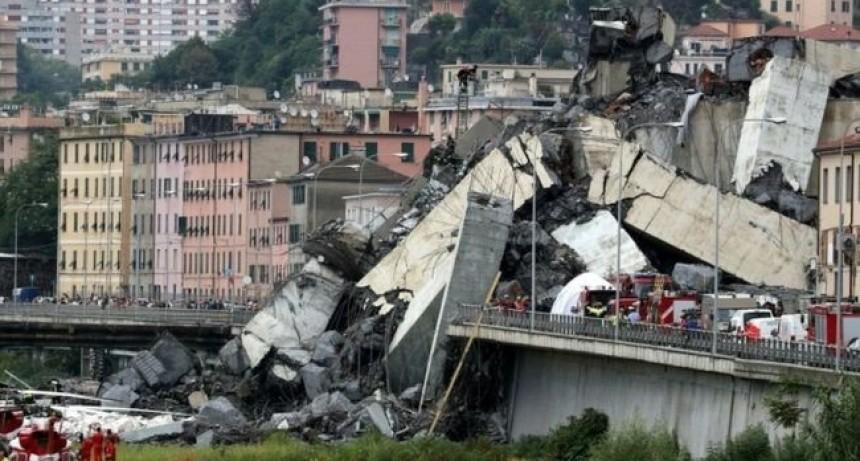 Al menos 35 personas fallecieron en Italia después de que un puente vial se desplomó