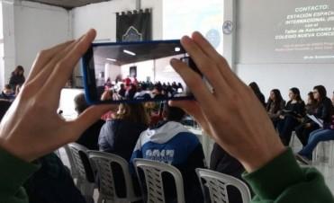 Un astronauta revolucionó a los chicos de un colegio tucumano