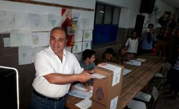 """""""Votar es la gran bendición que tiene la democracia"""", dijo Manzur"""