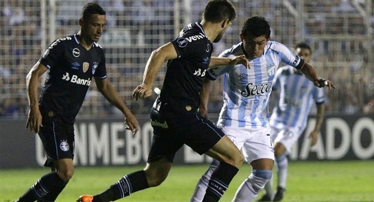 Atlético Tucumán busca hacer historia en Brasil ante el último campeón