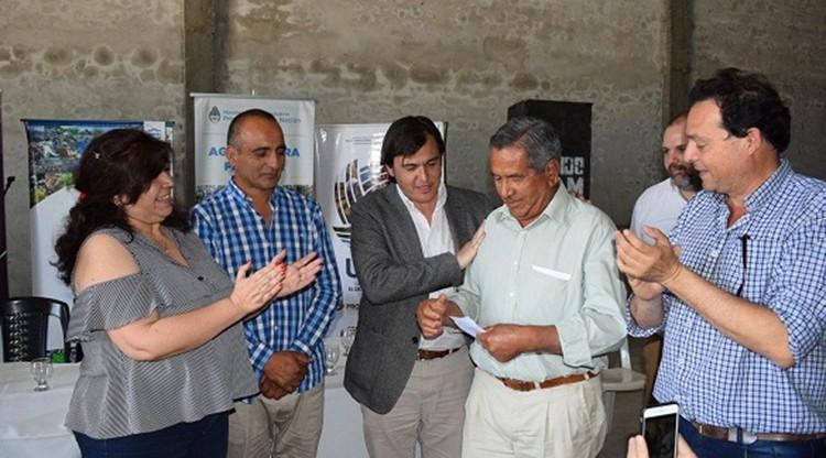 Promueven el desarrollo de una cooperativa agrícola de Simoca