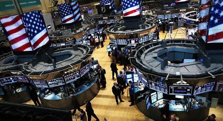 Miércoles negro: Wall Street se desplomó hasta 4% por suba de tasas en EEUU