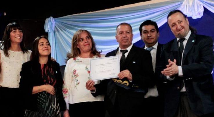 Más de mil adultos recibieron su diploma de egresado